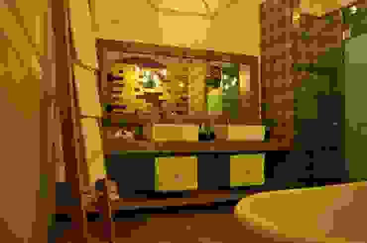 bathroom by DE LEON PRO Colonial
