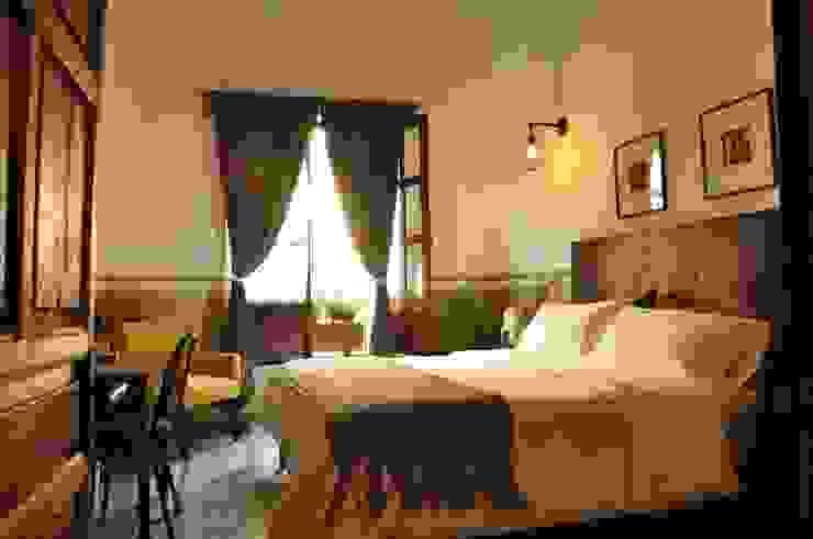 suite 2 by DE LEON PRO Colonial