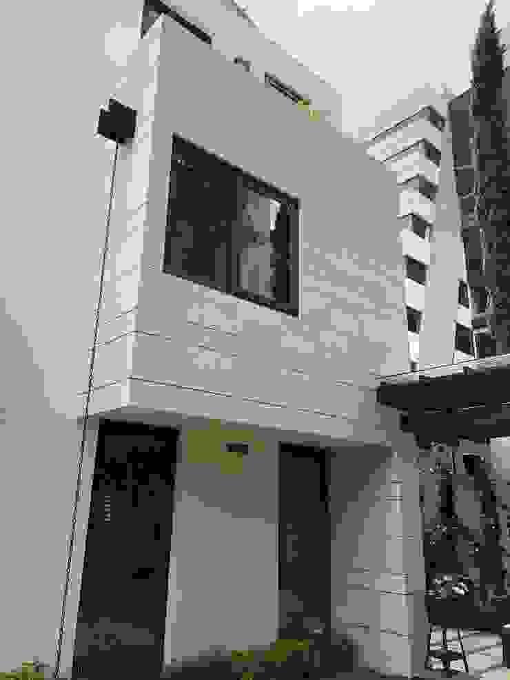 facade Modern Houses by DE LEON PRO Modern