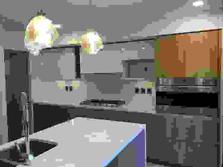 kitchen by DE LEON PRO Modern