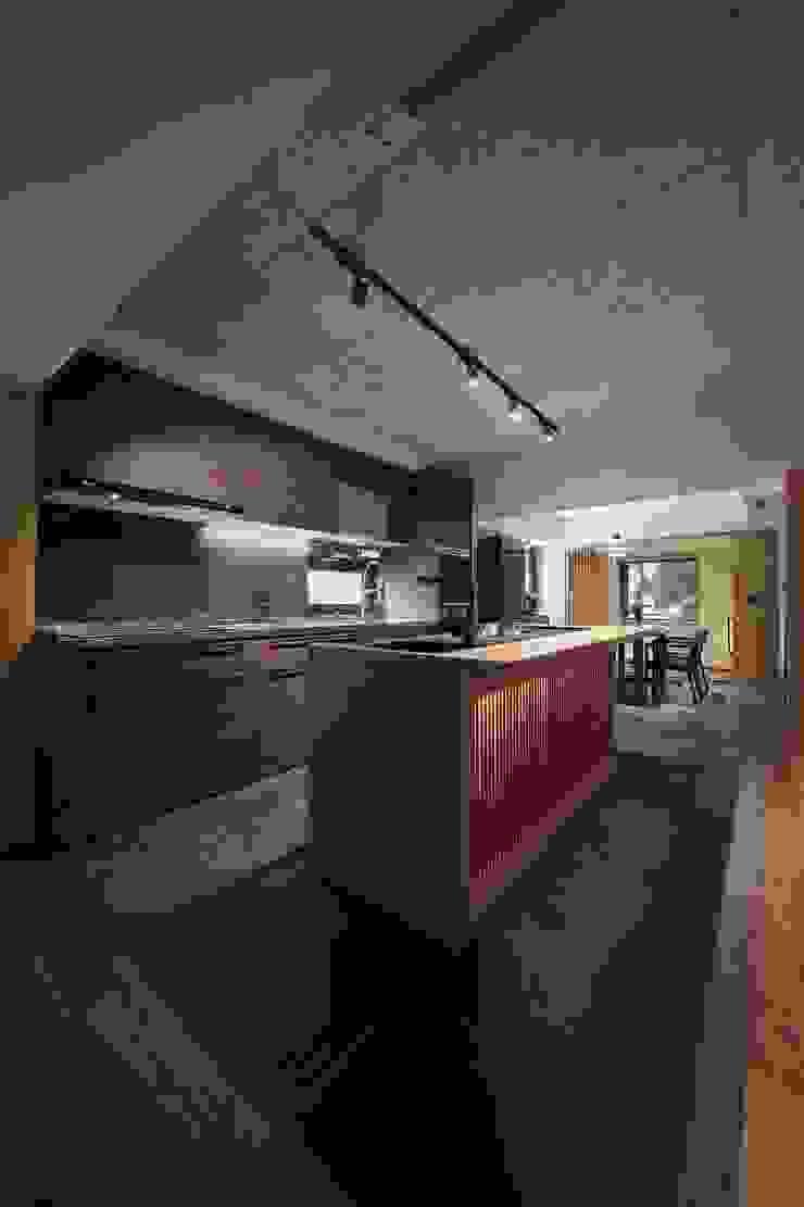 中島下也是儲物空間 直方設計有限公司 KitchenStorage