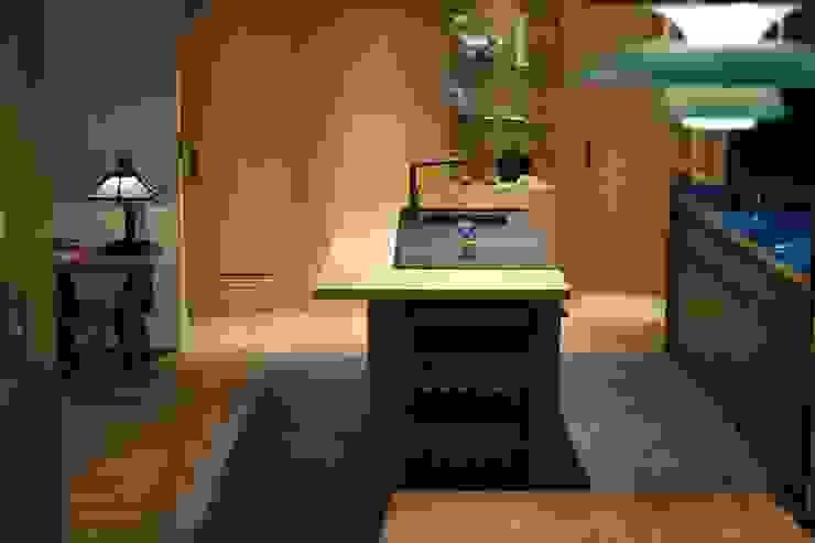 中島下嵌入了烤箱 直方設計有限公司 Built-in kitchens