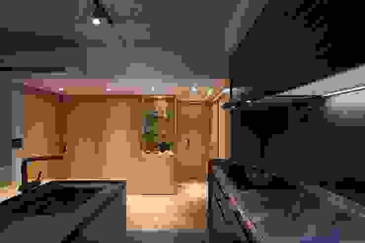 流理台牆面使用鏡面烤漆 直方設計有限公司 Kitchen units