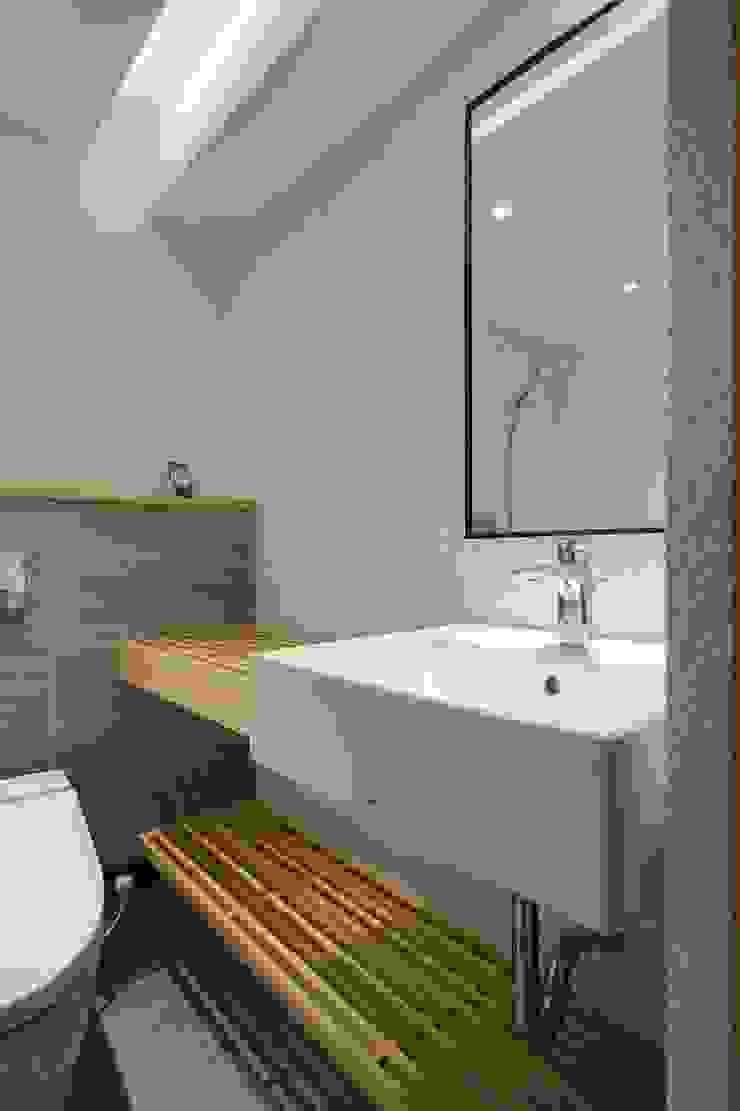 簡單乾淨的衛浴空間 直方設計有限公司 Asian style bathrooms