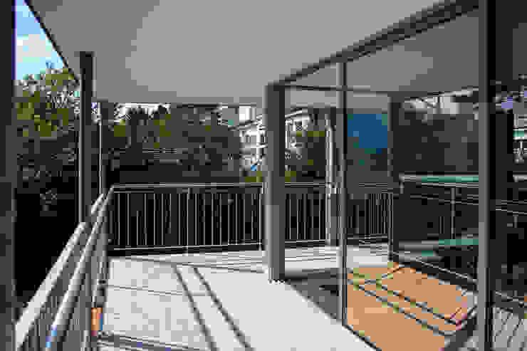 archipur Architekten aus Wien Modern conservatory Glass Grey