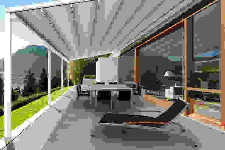 by Parasoles Tropicales - Arquitectura Exterior Сучасний Алюміній / цинк