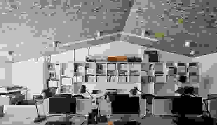 理絲室內設計|Ris Interior Design Workspace 根據 理絲室內設計有限公司 Ris Interior Design Co., Ltd. 地中海風 刨花板