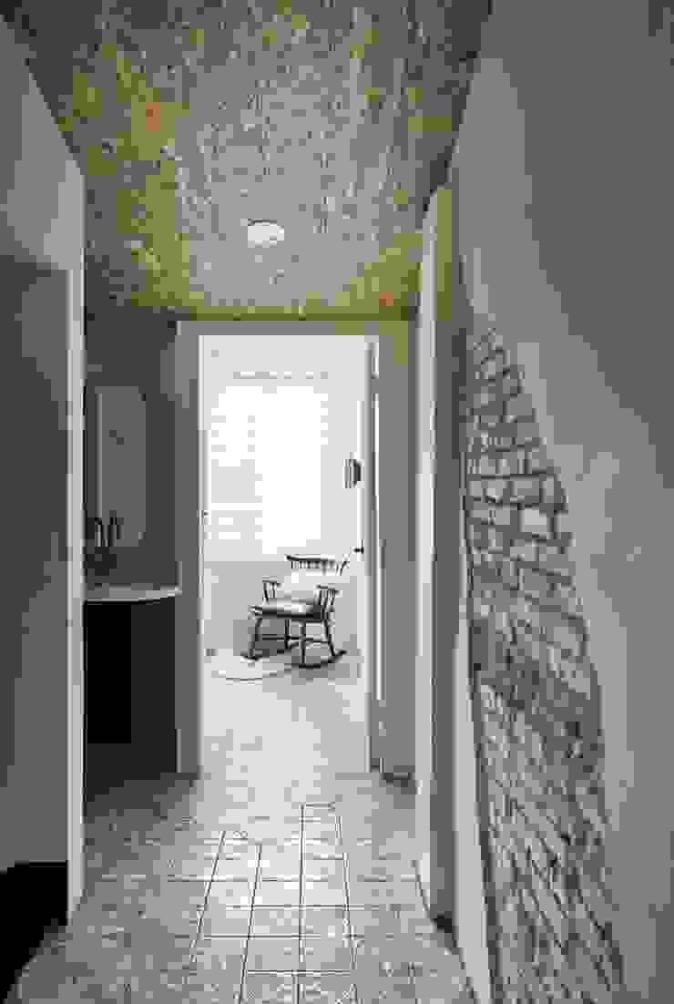 理絲室內設計|Ris Interior Design Workspace 地中海走廊,走廊和楼梯 根據 理絲室內設計有限公司 Ris Interior Design Co., Ltd. 地中海風 磚塊