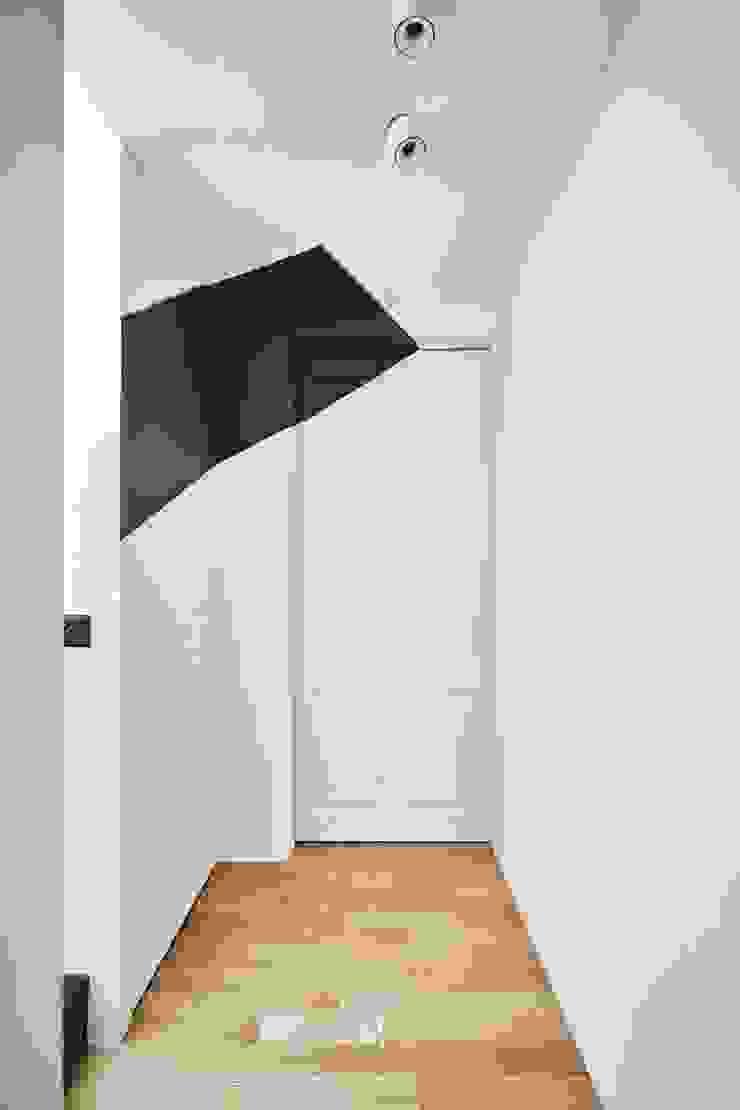 理絲室內設計|Ris Interior Design Workspace 根據 理絲室內設計有限公司 Ris Interior Design Co., Ltd. 地中海風 水泥