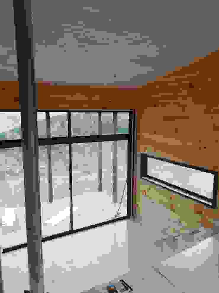 Casa Las Yuntas de Buchupureo Livings de estilo moderno de MS Arquitectos Moderno Madera Acabado en madera