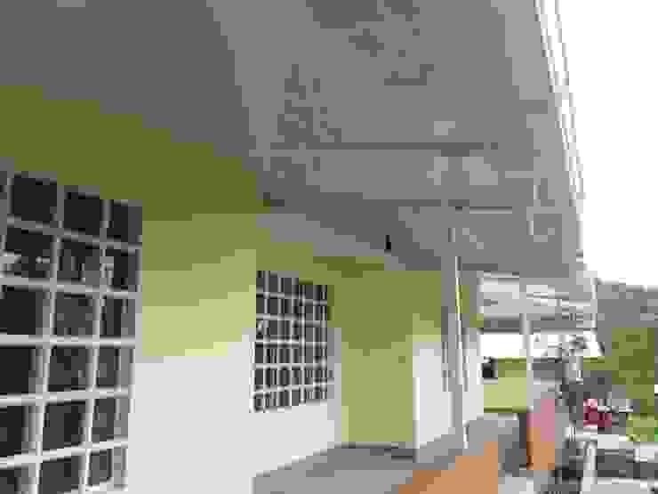 Cielo raso instalado en PVC de NetCom Construcciones Moderno