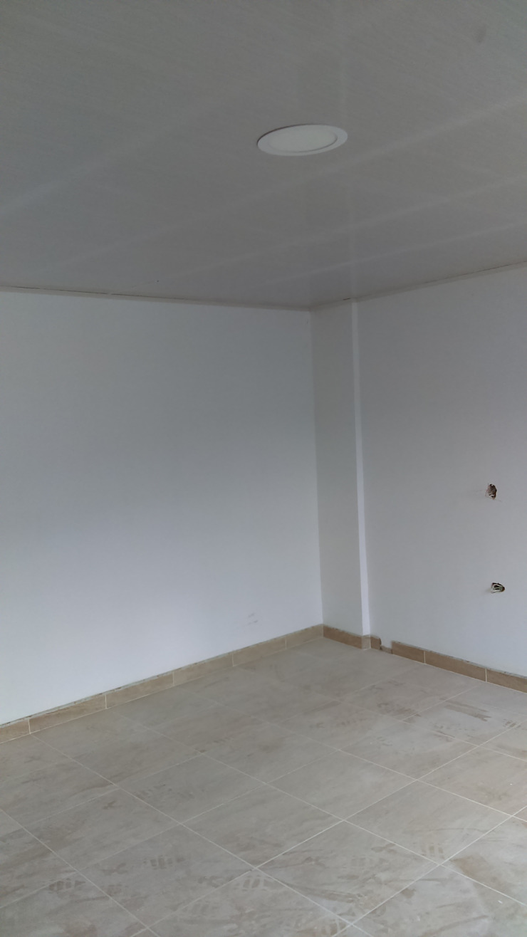Remodelación de habitaciones Habitaciones modernas de NetCom Construcciones Moderno