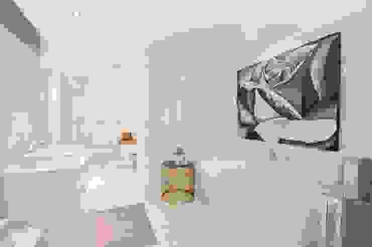 PORTFOLIO 2020 CLINT LEWIS DESIGNS Modern bathroom