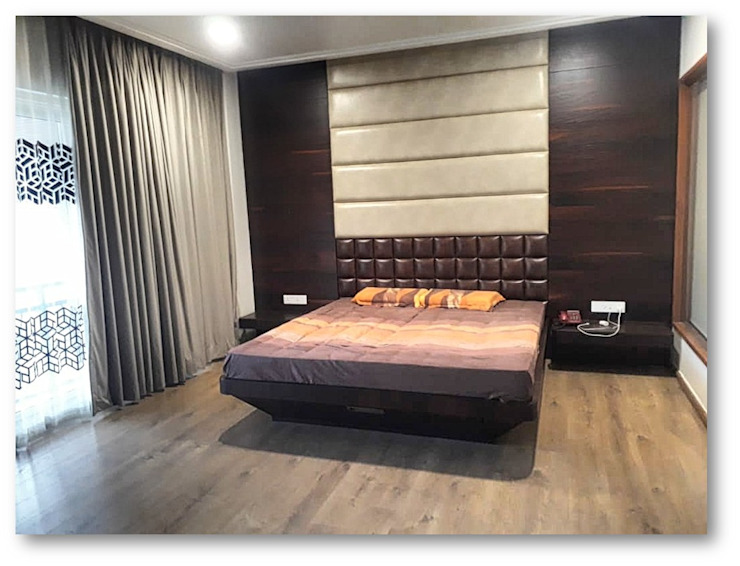 Bedroom Homagica Services Private Limited 臥室床與床頭櫃