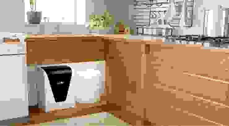 Kết hợp tủ bếp với máy lọc nước karofi: Châu Á  by ĐIỆN MÁY SAKURA, Châu Á MDF