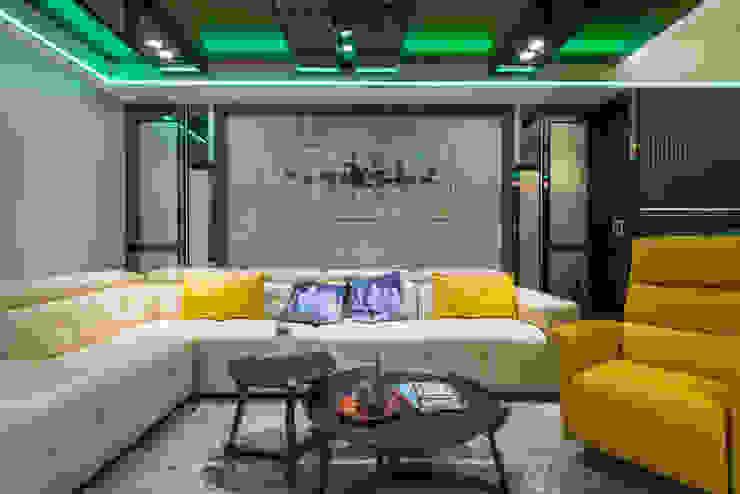 客廳 现代客厅設計點子、靈感 & 圖片 根據 你你空間設計 現代風 木頭 Wood effect