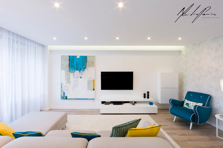 logotipo Salas de estar minimalistas por Mariline Pereira - Interior Design Lda. Minimalista