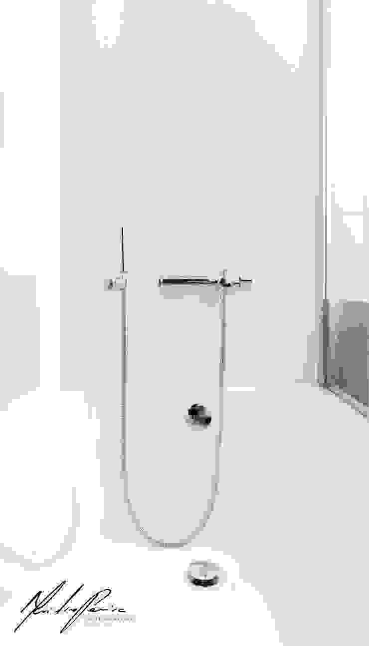 logotipo Casas de banho minimalistas por Mariline Pereira - Interior Design Lda. Minimalista