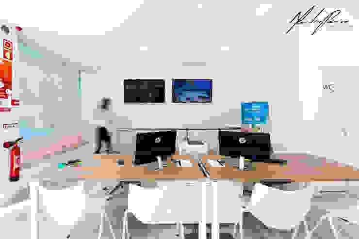 Projecto Agência de viagens - Multidestinos Av. Berna, Lisboa Mariline Pereira - Interior Design Lda. Espaços de trabalho minimalistas
