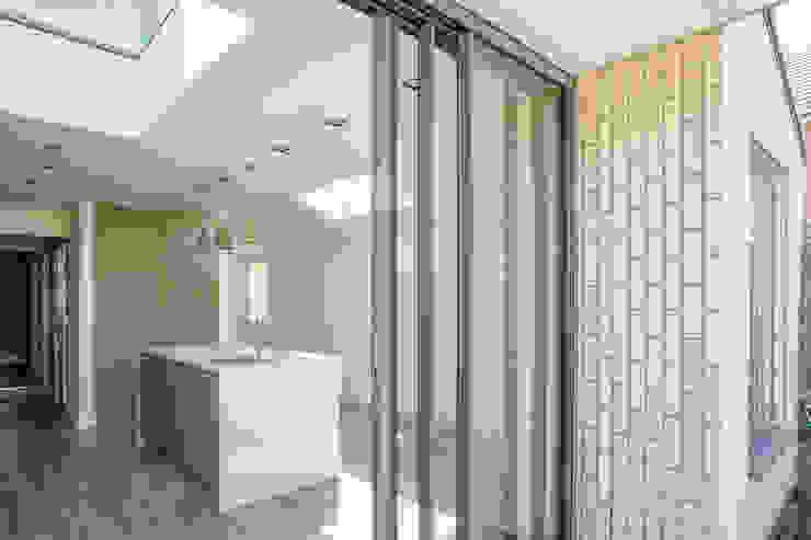 Victoria Street, 2019 TAS Architects Rumah Minimalis
