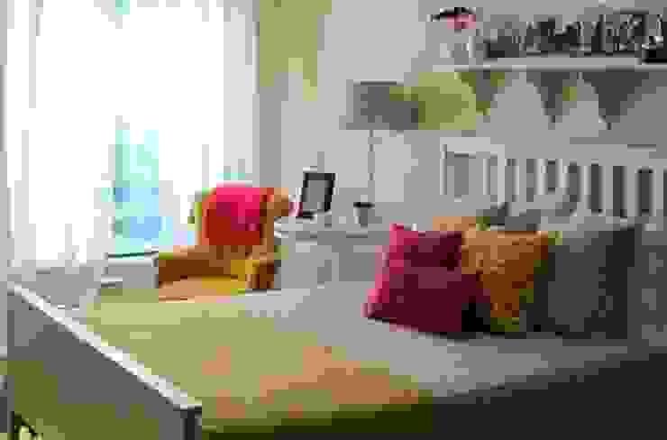 Rafaela Fraga Brás Design de Interiores & Homestyling Chambre rurale Bois Jaune
