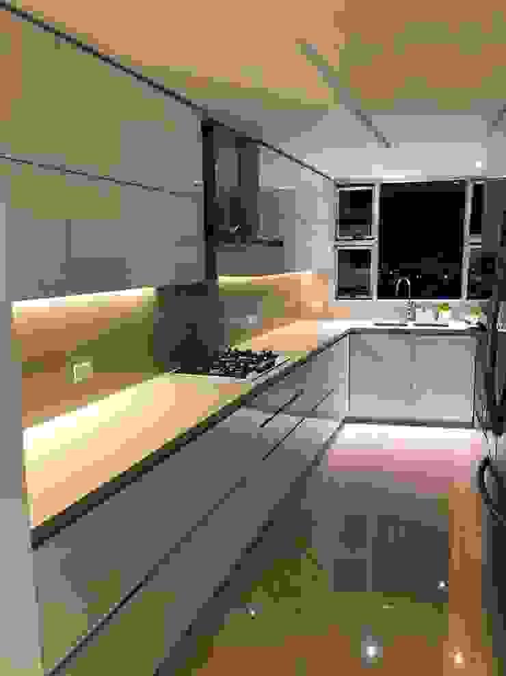 CARVIC INSTALACIONES ELECTRICAS Built-in kitchens
