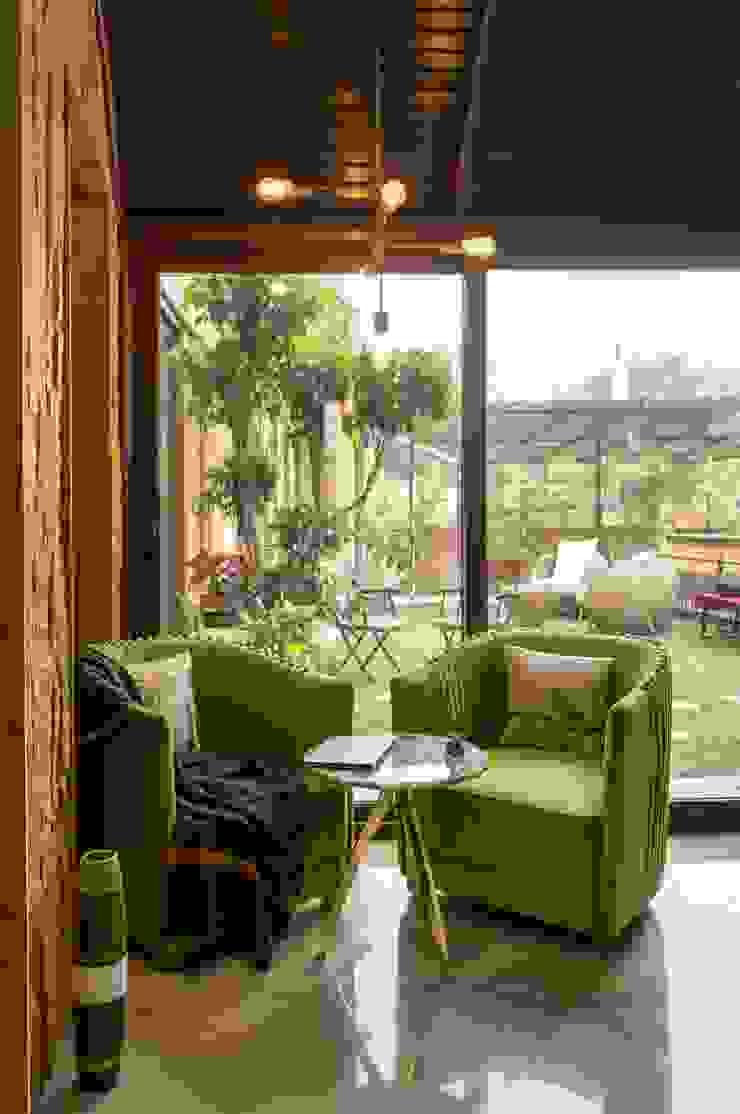 Indoor-Outdoor Villa Modern corridor, hallway & stairs by Art Space Design studio Modern