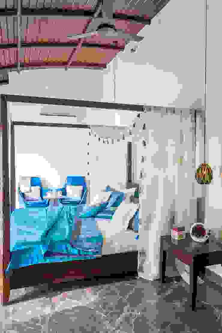 Indoor-Outdoor Villa Modern style bedroom by Art Space Design studio Modern