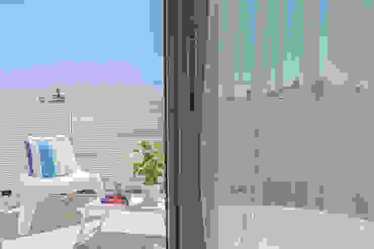 HOME STAGING Mirna Casadei Home Staging Balcone, Veranda & Terrazza in stile moderno