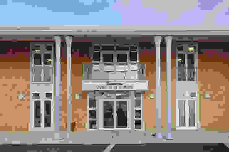 Dorchester Community Church Casas estilo moderno: ideas, arquitectura e imágenes de Hart Design and Construction Moderno