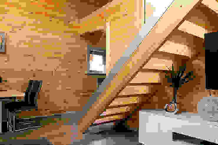 THULE Blockhaus GmbH - Ihr Fertigbausatz für ein Holzhaus Corridor, hallway & stairsStairs Glass Transparent