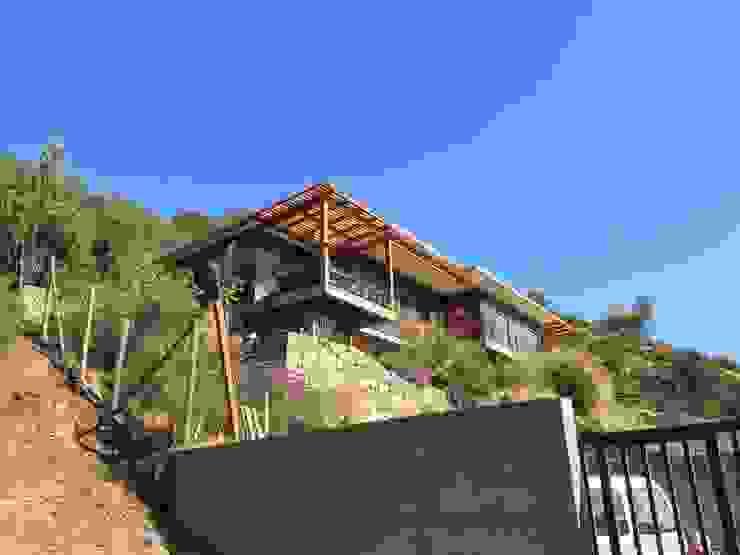 Vivienda Gomez Casas estilo moderno: ideas, arquitectura e imágenes de Patricio Oteiza Moderno
