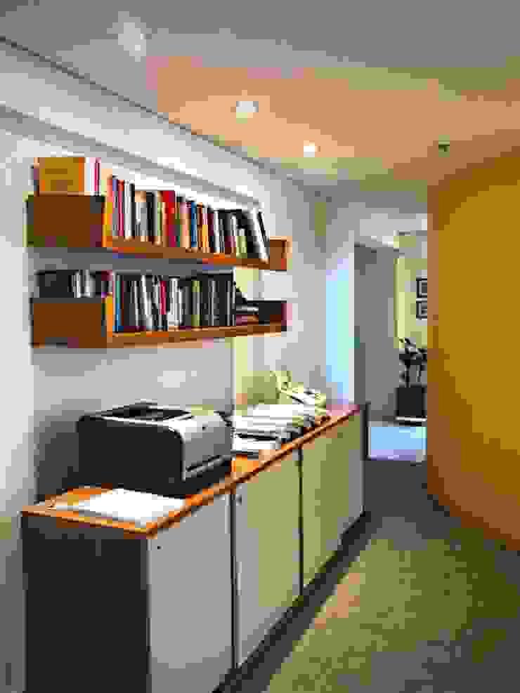 Studio moderno di Mazorra Studio Moderno