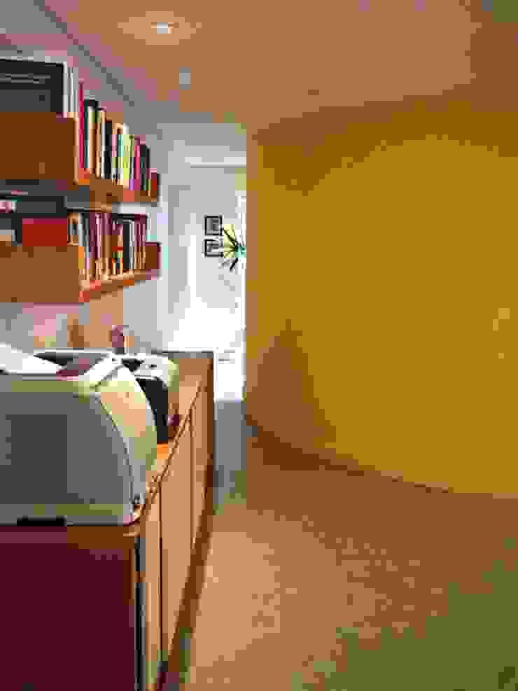 Pareti & Pavimenti in stile moderno di Mazorra Studio Moderno