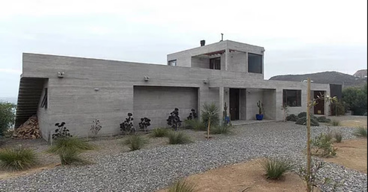 Modern houses by Construccion Americana Modern