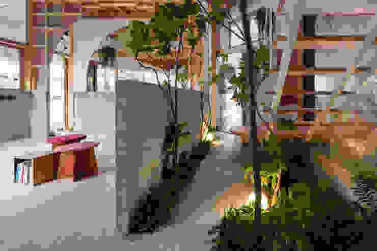 by FUMIASO ARCHITECT & ASSOCIATES/ 阿曽芙実建築設計事務所 Mediterranean Wood Wood effect