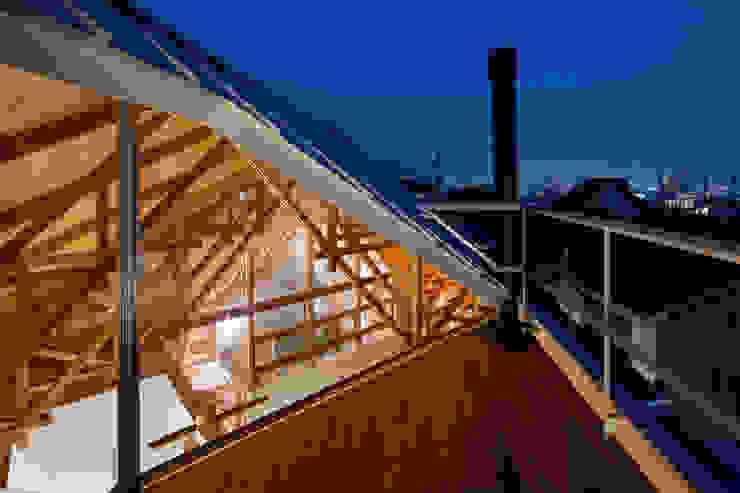 Modern Terrace by FUMIASO ARCHITECT & ASSOCIATES/ 阿曽芙実建築設計事務所 Modern Wood Wood effect