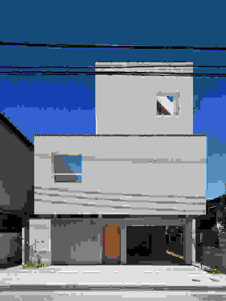 FUMIASO ARCHITECT & ASSOCIATES/ 阿曽芙実建築設計事務所 Case eclettiche Metallo