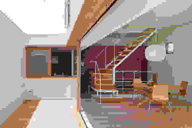 FUMIASO ARCHITECT & ASSOCIATES/ 阿曽芙実建築設計事務所 Soggiorno eclettico