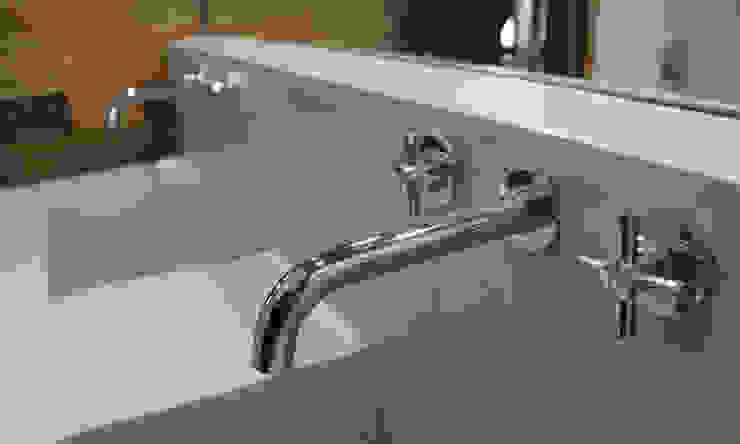 Phòng tắm phong cách tối giản bởi Vetas Sur Tối giản Bê tông