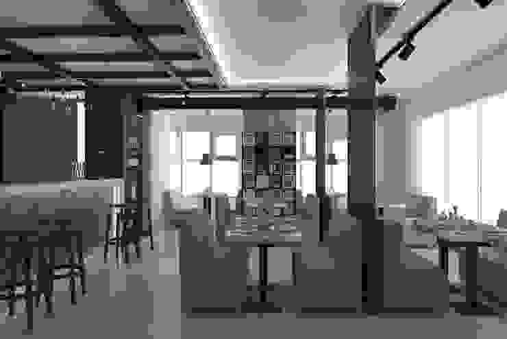 Современный лофт в кофейне Столовая комната в стиле лофт от Art project rocket Лофт