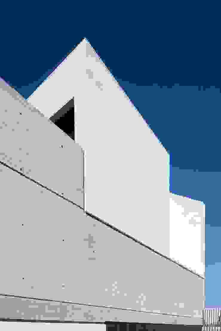TEÓFILO. Carpintería de Aluminio Commercial Spaces
