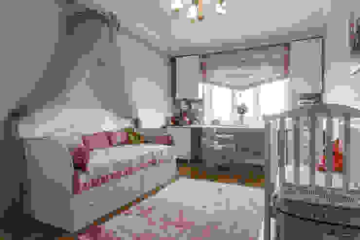 Kinderzimmer Mädchen von Элит интерьер и ландшафт , Klassisch Holz Holznachbildung
