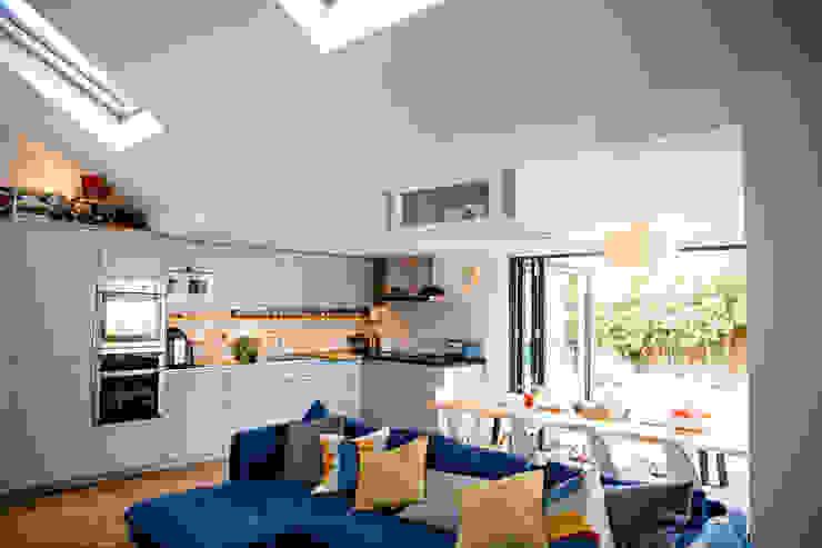 View of open-plan kitchen dwell design Modern kitchen