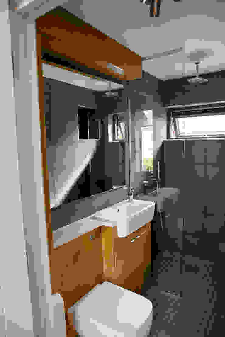 Bathroom dwell design Modern bathroom