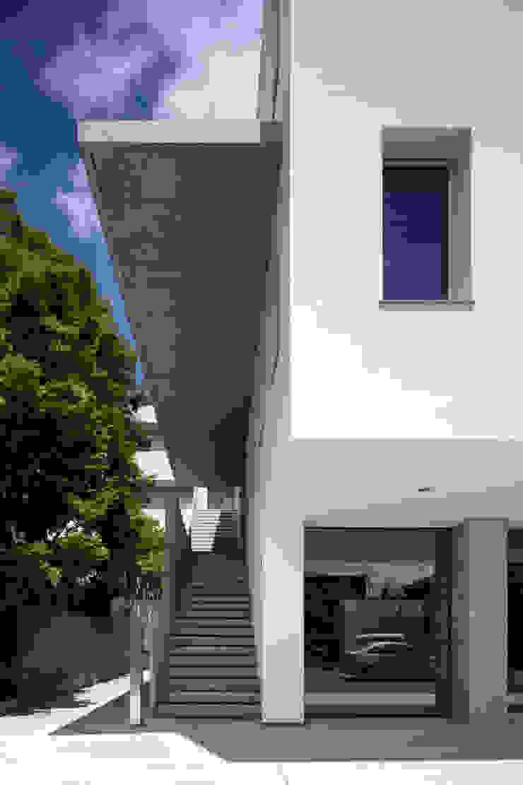 屋外階段 の 井上久実設計室 モダン コンクリート