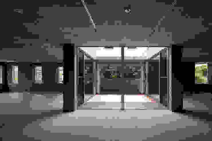 内観 モダンな 窓&ドア の 井上久実設計室 モダン