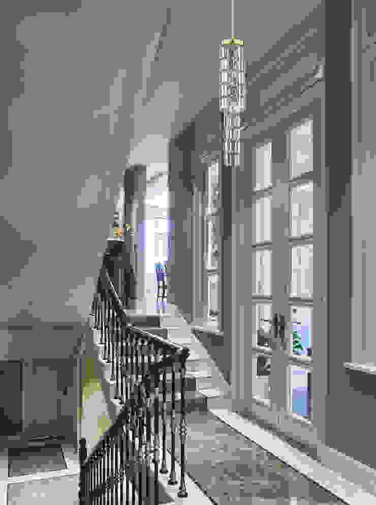 Exclusive crystal pendant ceiling light with Swarovski crystals Pasillos, vestíbulos y escaleras de estilo moderno de Luxury Chandelier Moderno Cobre/Bronce/Latón