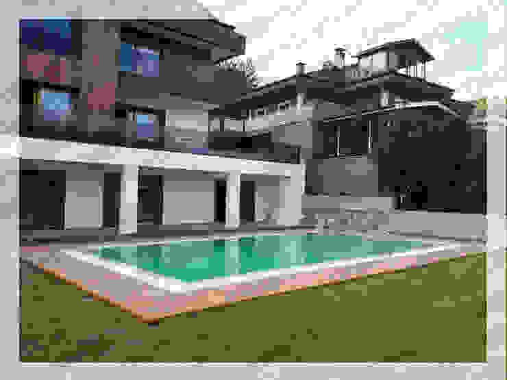 Modern pool by Deck Sistemleri Modern Wood-Plastic Composite