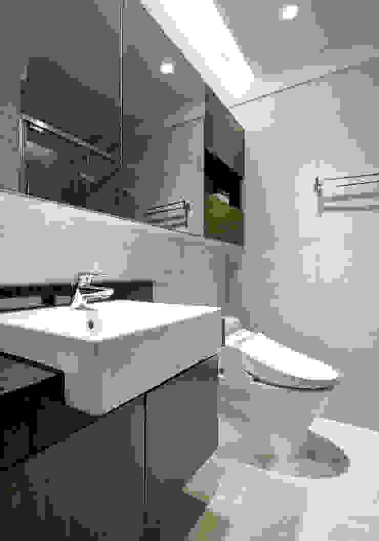 靜謐禪風-安居時光 現代浴室設計點子、靈感&圖片 根據 森活館室內裝修有限公司 現代風